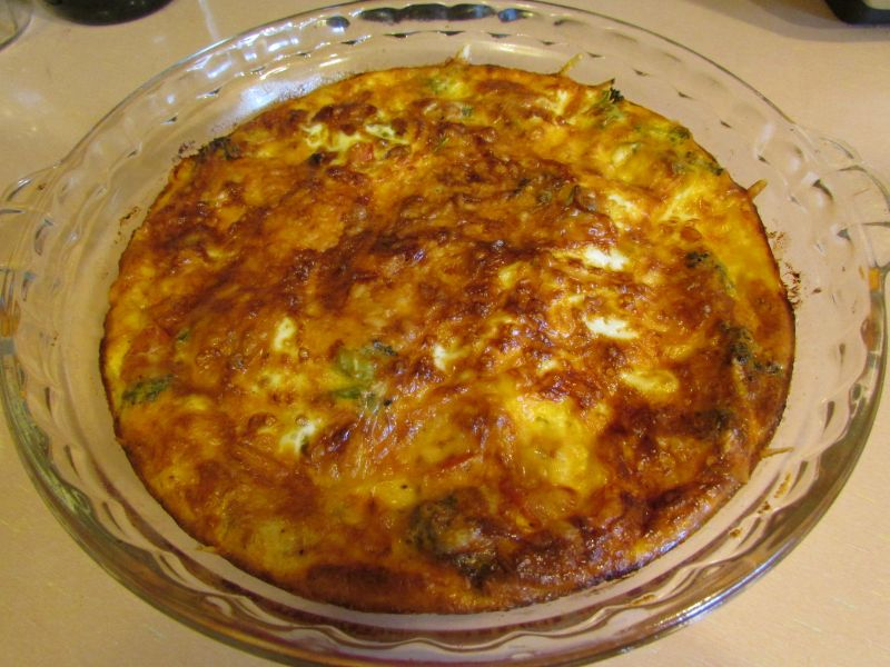 Fresh Broccoli-Scallion-Tomato Quiche