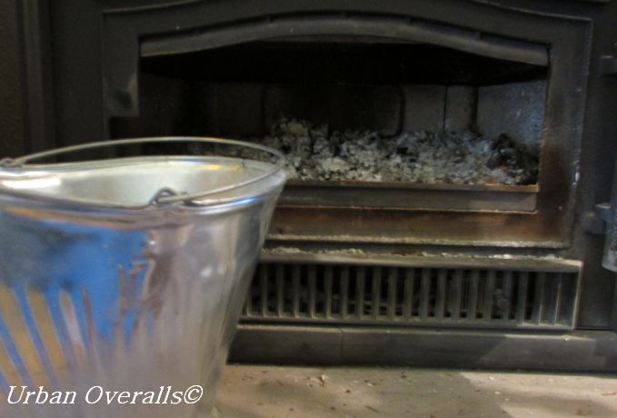 Fireplace Ash: A Great Glass Cleaner